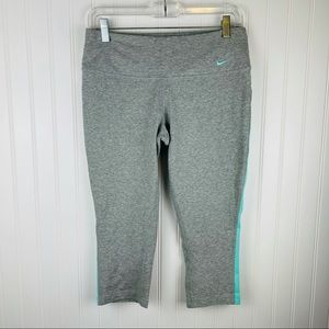 Nike Cropped Workout / Athletic Leggings Gray M